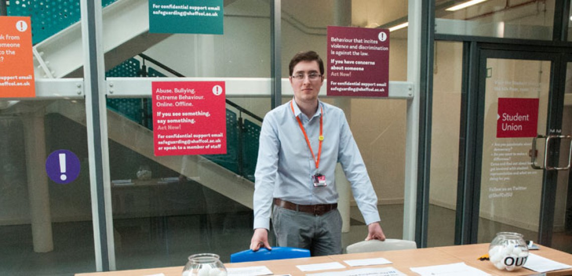 Students' Union Holds Mock Referendum
